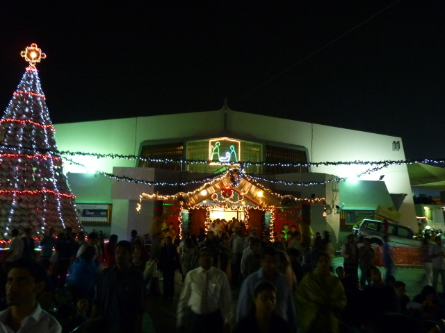 The parish decorated for Christmas / Fr. Gaurav Shroff / Flickr