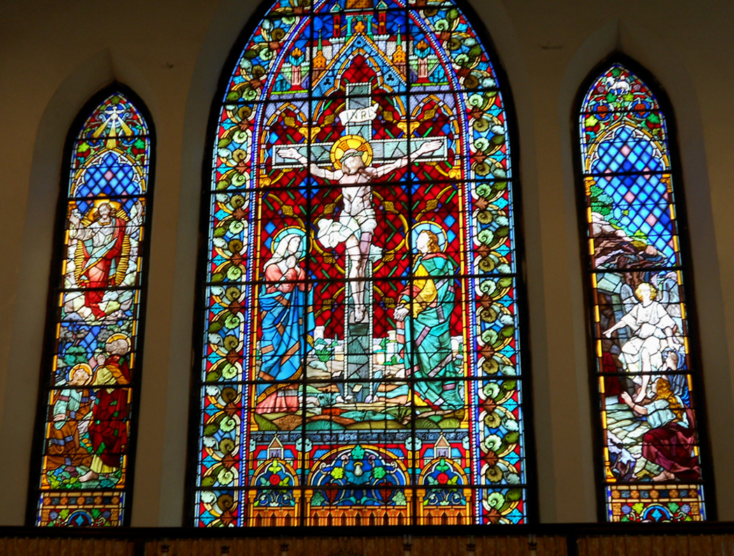 21 awe inspiringly beautiful stained glass windows churchpop for Glass windows