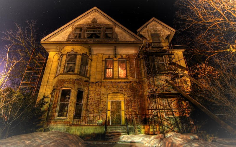 """""""All Hell Broke Loose"""": Family Returns to Church After Demonic Encounters in Haunted Home  """